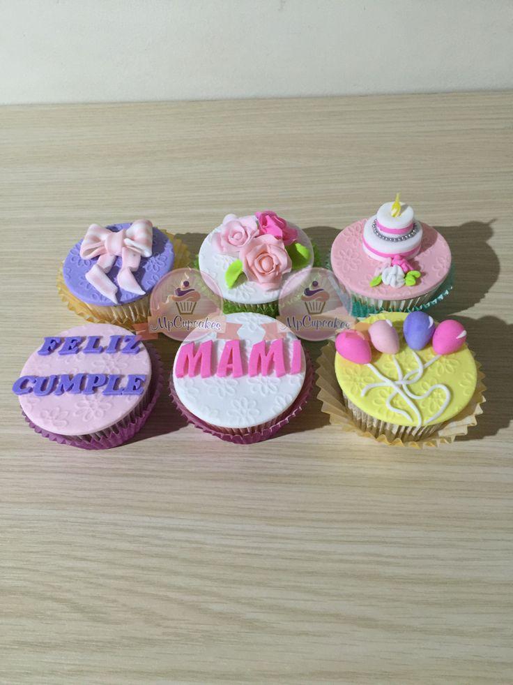 Cupcakes de cumpleaños. Cupcakes para mamá. Cupcakes con mensaje. Cupcakes con rosas