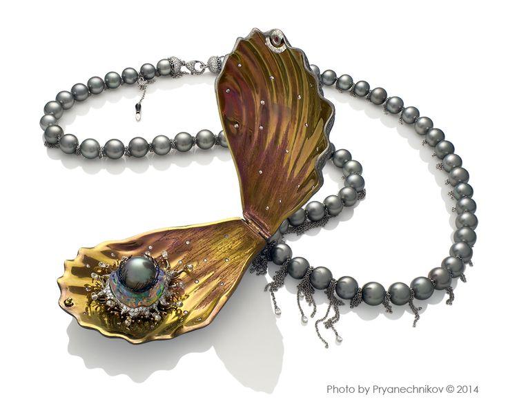 ewellery Photography. Рекламное фото Ювелирных изделий из титана с бриллиантами и жемчугом. Ювелирный постер.