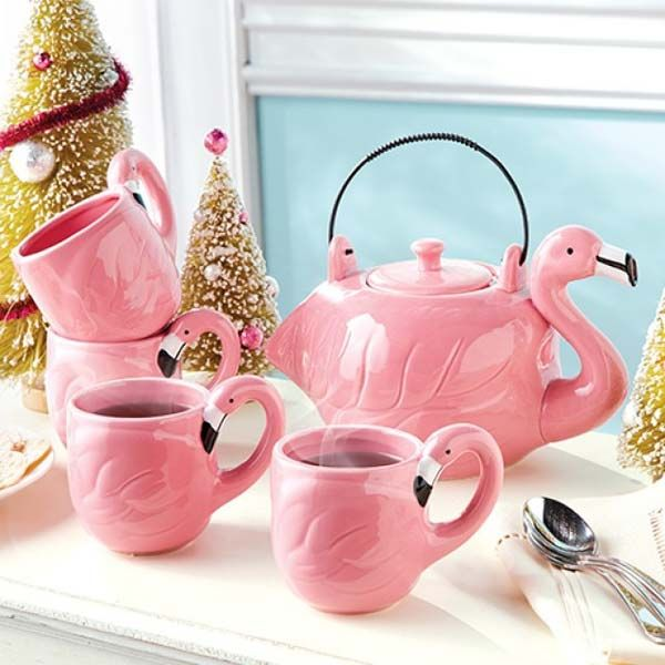 Flamingo mugs and teapot set.