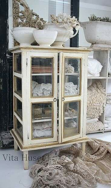 Oud Frans vitrine gebak kastje