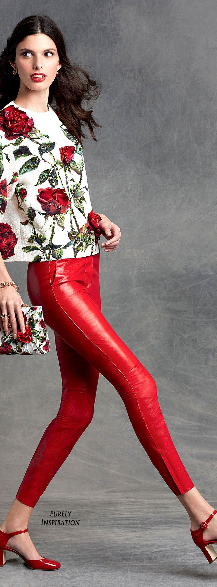 Dolce&Gabbana Winter 2016 - cheerful red and flowers continue to be the…