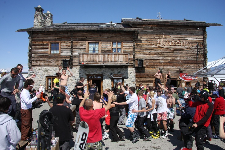 Music and fun at Camanel di Planon for the Mottolino Fun Mountain Party!