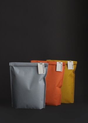This line of pantry food, created by Silje Forbe, is neutrally chromatic. Minimal, the design draws inspiration through 50's Scandinavian Design with clean edges and warm colors. Cloth bags are tucked and pinned with a description.
