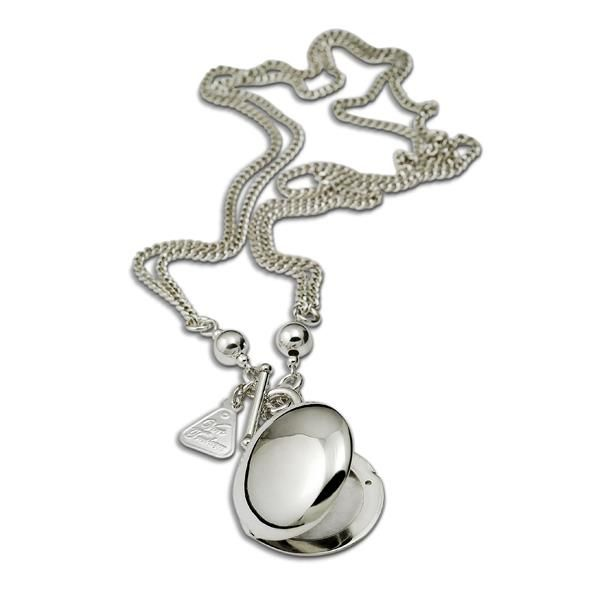Von Treskow Round silver locket for keeping those special photos