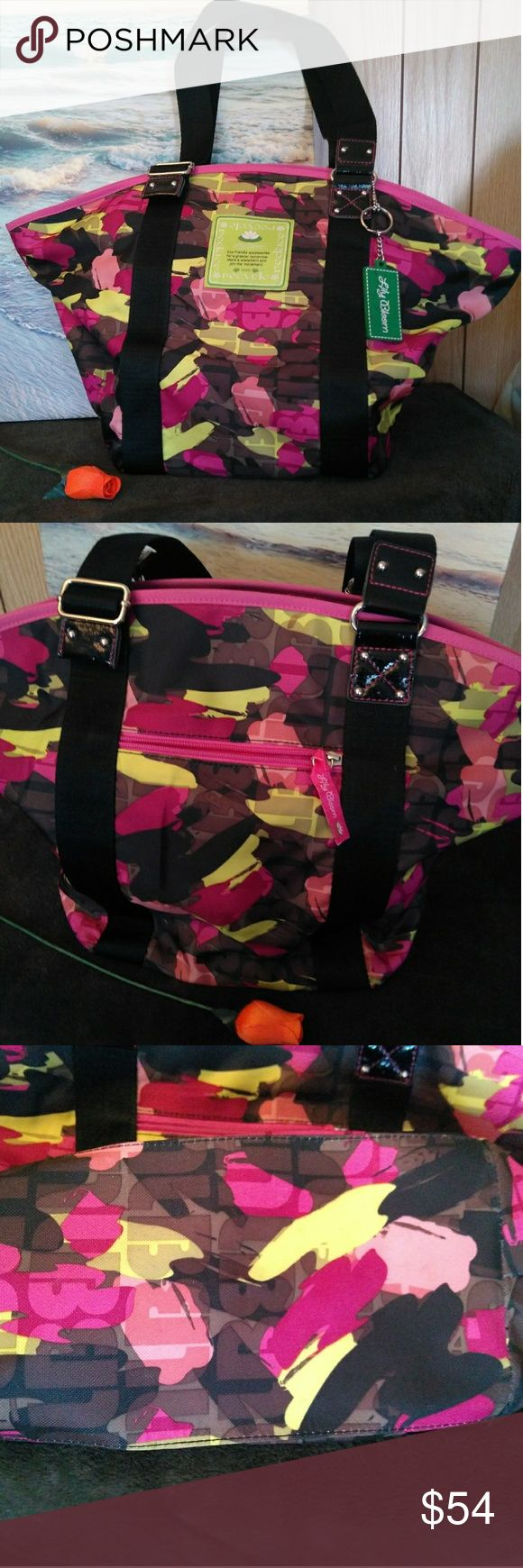 💚NWOT❤️Lily Bloom Tote bag💚 🌷NWOT🌷 Eco-friendly accessories for a greener tomorrow Beautiful Travel Tote  Great to use for a picknic or just to pack up those towels and take a trip to the beach.🏖️ Lily Bloom Bags Totes