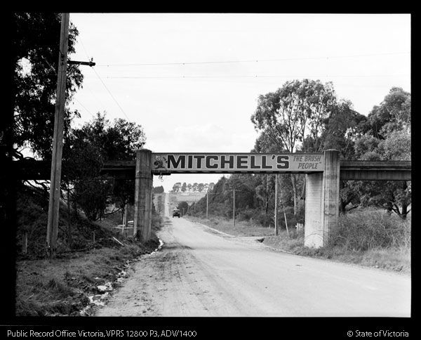 Bridge over Huntingdale Road at Jordanville - looking towards Chadstone