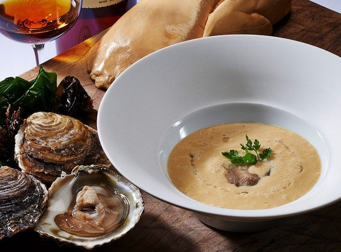 Michel Sarran Top Chef  Foie gras en soupe tiède à l'huître de Belon
