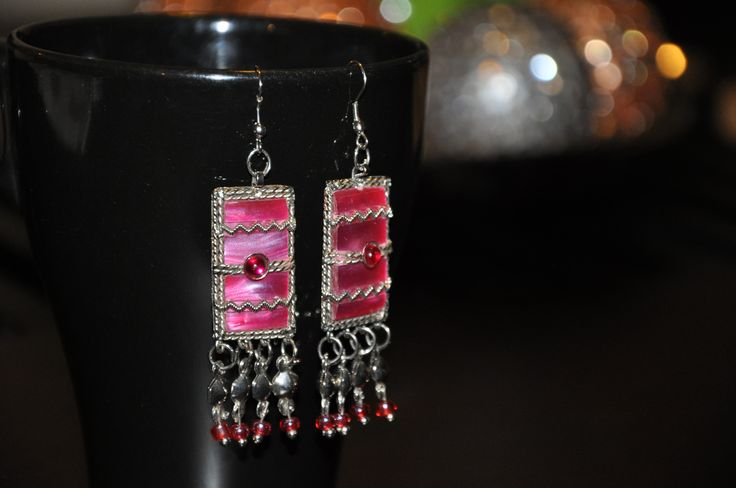 Create your own earrings with desired beads