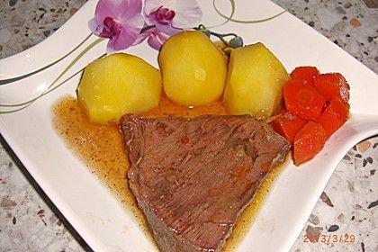 Rinderbraten mit Gemüse und Rotwein nach Omas Art
