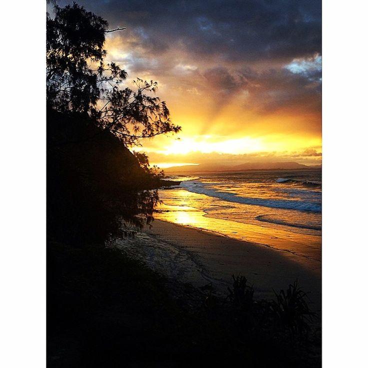 Byron Bay sunset. Instagram: Byronbayyogi