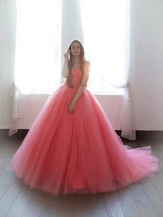ウエディングドレスショップ シンデレラ エアリーで華やかなキャンディーピンクのカラードレス SS5591CP