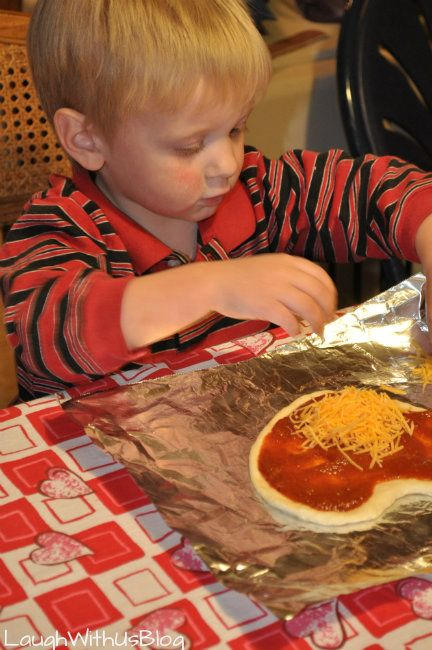 Make your own heart shaped pizza for valentine's day lunch with the kids - so cute