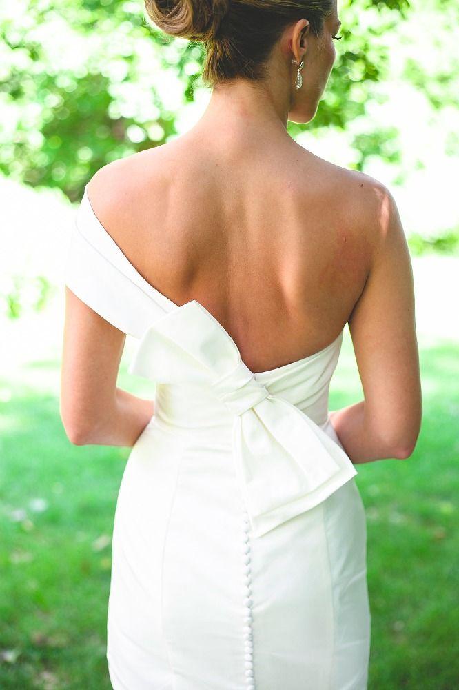 Wedding Dress, Amsale Bridal - St. Paul Minnesota Wedding  http://caratsandcake.com/heidianddave