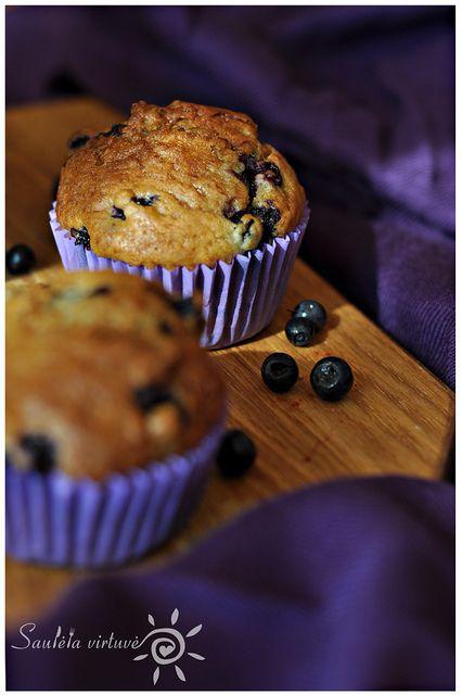 Jogurtiniai keksiukai su mėlynėmis by Saulėta virtuvė: Su Mėlynėmis, Keksiukai Su, Keksiukas Su, Su Melynemis, Jogurtiniai Keksiukai