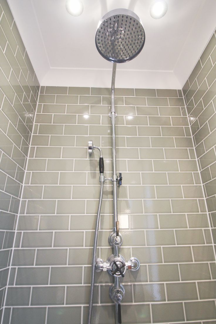 This powerful full body shower ensures our customer can enjoy the height of luxury bathing. The grey metro tiles are the ideal complement to the Victorian fitted shower unit.