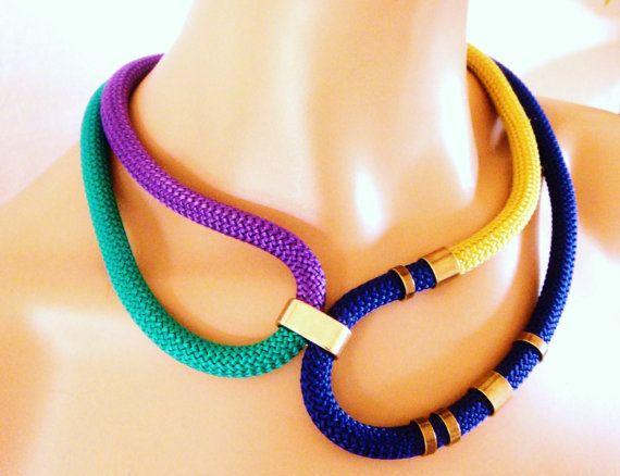 Multi couleur corde collier Tribal collier or électrique par vess65