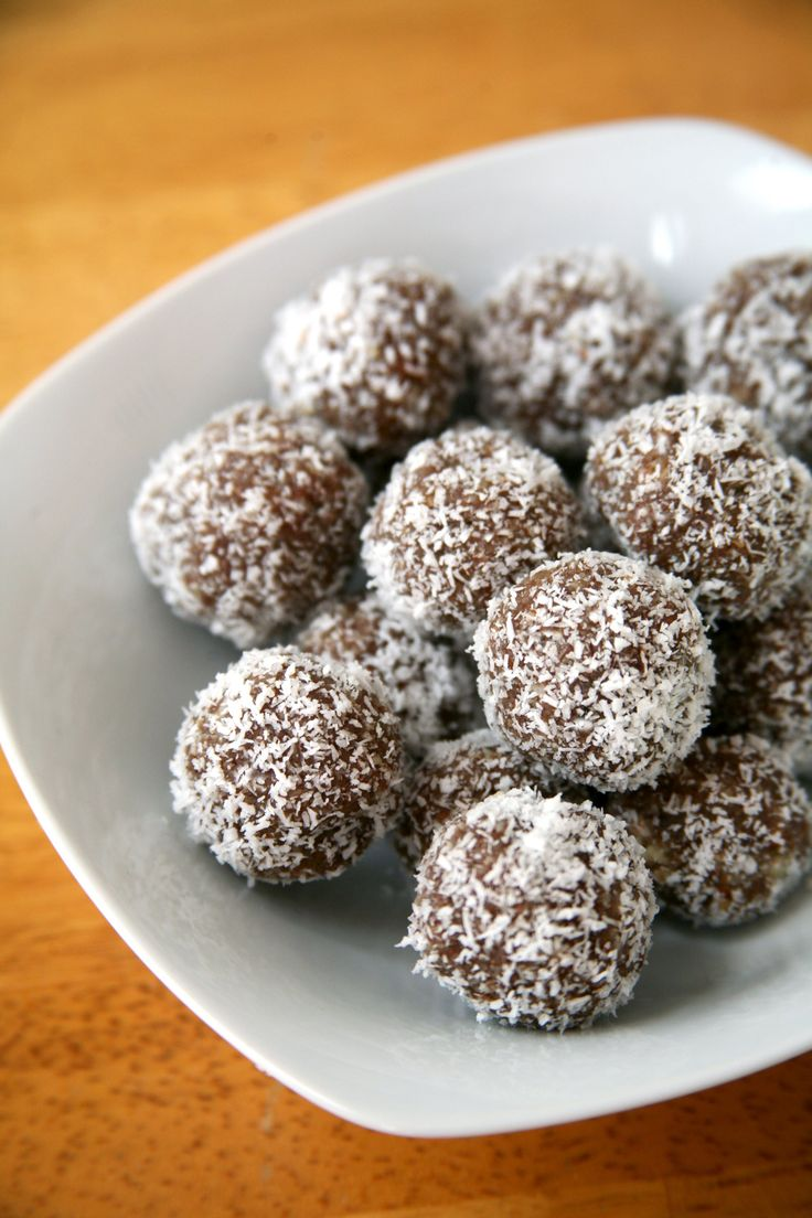 These Paleo Protein Balls Only Have 1 Gram of Sugar