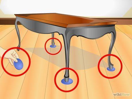 Como prevenir arranhões em pisos de madeira