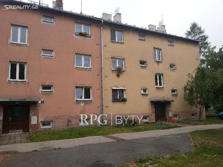 Byt 2+1 47 m² k pronájmu Gajdošova, Ostrava - Moravská Ostrava; 4600 Kč za měsíc (+ služby 2580, kauce 7180, + adm. poplatek 4600), parkovací místo, cihlová stavba, státní, obecní vlastnictví, v dobrém stavu.