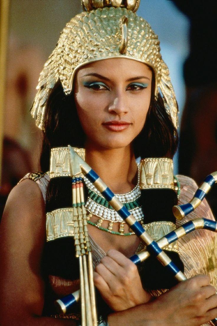 Leonor Varela as Cleopatra VII   Anciant   Cleopatra ...