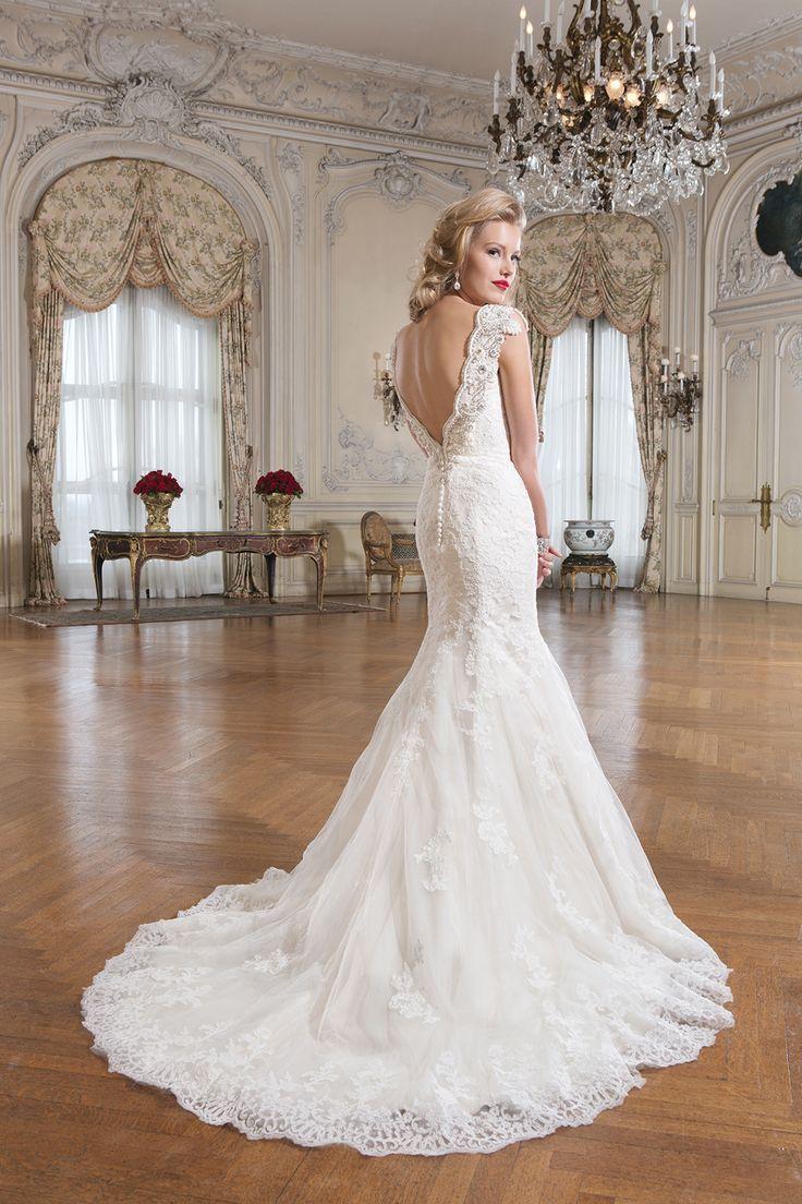 Wedding gown by Justin Alexander www.madeleinesbridalboutique.com www.justinalexander.com