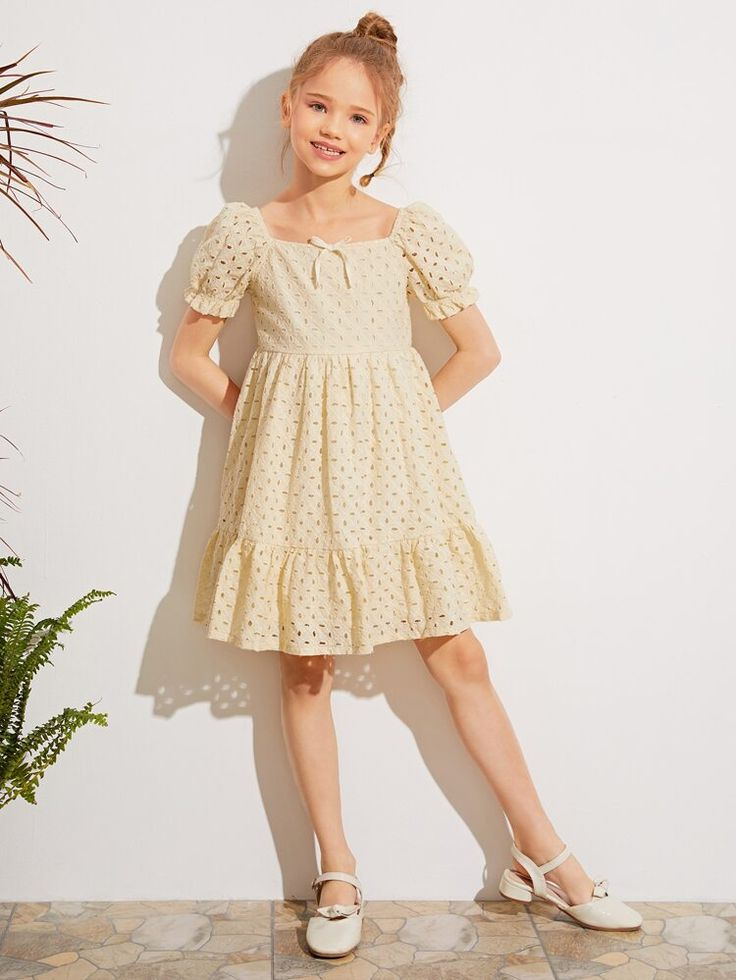 Frocks For Girls, Dresses Kids Girl, Kids Outfits, Young Girl Fashion, Tween Fashion, Vintage Kids Fashion, Girls Frock Design, Sewing Kids Clothes, Square