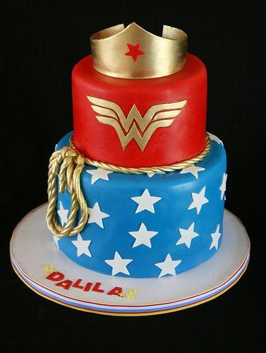 Wonder Woman Cake I NEEEEEEEEED this for my birthday