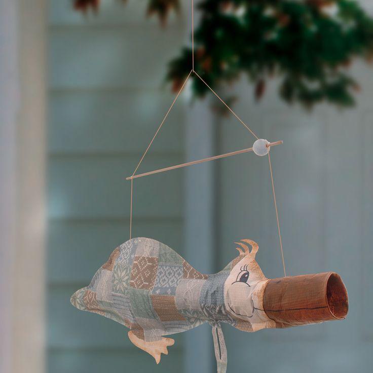 """Windsack-Ente aus Tyvek (Idee mit Anleitung – Klick auf """"Besuchen""""!) - Eine witzige Idee für Balkon oder Garten ist ein Windsack. Da sind Ihrer Phantasie keine Grenzen gesetzt. Lassen Sie sich einfach inspirieren von unserer lustigen, selbstgebastelten Windsack-Ente!"""