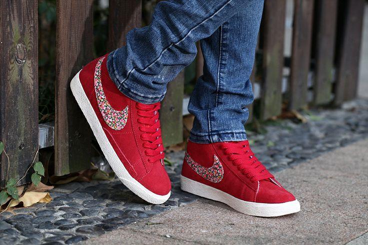 #WholesaleShoesHub,Cheap Nike Shoes Women