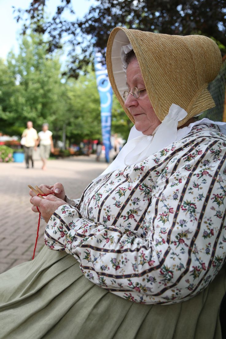 Laura Secord sharing a story.