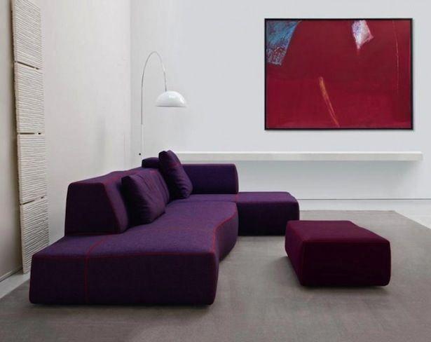 Sofa Minimalis Modern Untuk Ruang Tamu Kecil Ruang tamu adalah ruangan paling awal yang menampilkan citra rumah anda secara umum. Karenanya, ruang tamu biasanya menjadi prioritas ketika melakukan desain interior rumah agar terlihat elegan dan nyaman. Namun bagaimana jika ruang tamu yang ada di rumah anda memiliki ukuran yang tidak terlalu luas ?  http://furniliving.com/sofa-minimalis-modern-untuk-ruang-tamu-kecil/