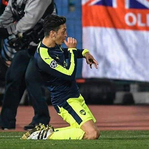 Mesut Ozil - Arsenal FC