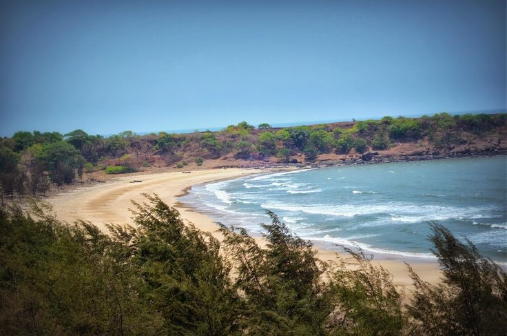 If this is what you seek, #Goa isn't the place anymore. #Explore beautiful untouched   #beaches near Ratnagiri. Be Avanturas!