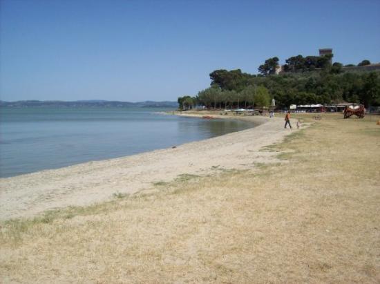 lake side Castiglione del Lago