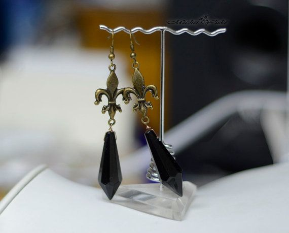 These earrings are inspired by the Black Lady Crystal earrings from Sailor Moon! The earrings are perfect for Sailor Moon cosplayer or Sailor Moon