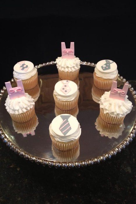 the tutu cupcakes are so cute.  they are fondant toppers.