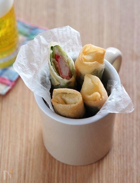 一正蒲鉾さんの「サラダスティック」とシソとチーズを巻いた簡単なミニ春巻き。  えのきだけのしゃきしゃきした歯触りがアクセントです。