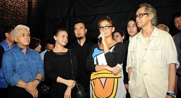 Agnes Monica Tampil Santai di Ultah Dhani Ahmad | BERITAKU BERITAMU