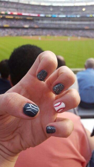 New york Yankee nails