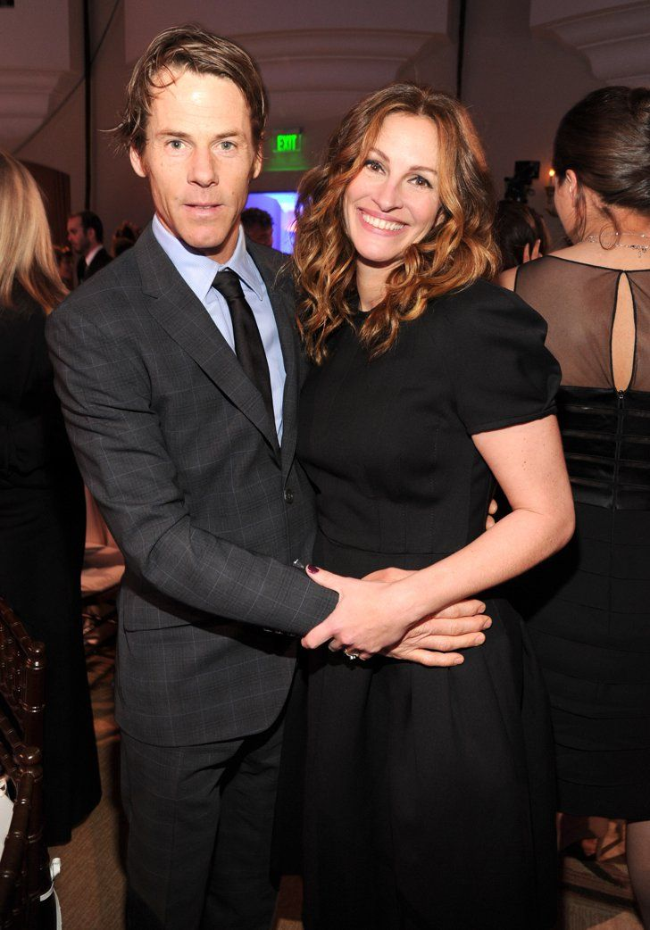 Pin for Later: 18 Actors Who Didn't Marry Actors — You Might Have a Chance With a Star After All Julia Roberts