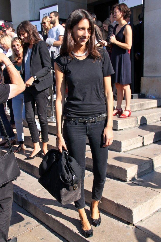 Basic black done so well. Géraldine Saglio during PFW.