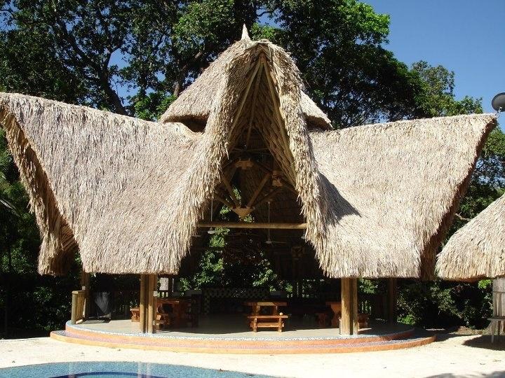 Kiosco de palma en Mariquita tolima Colombia