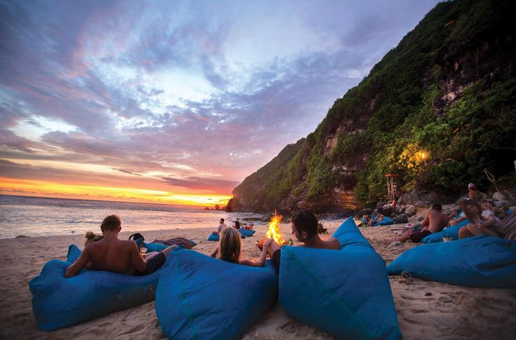 Sundays Beach Club in Uluwatu features the island's best selection of fun water-based activities, including restaurant, bar, music and bonfires at dusk.