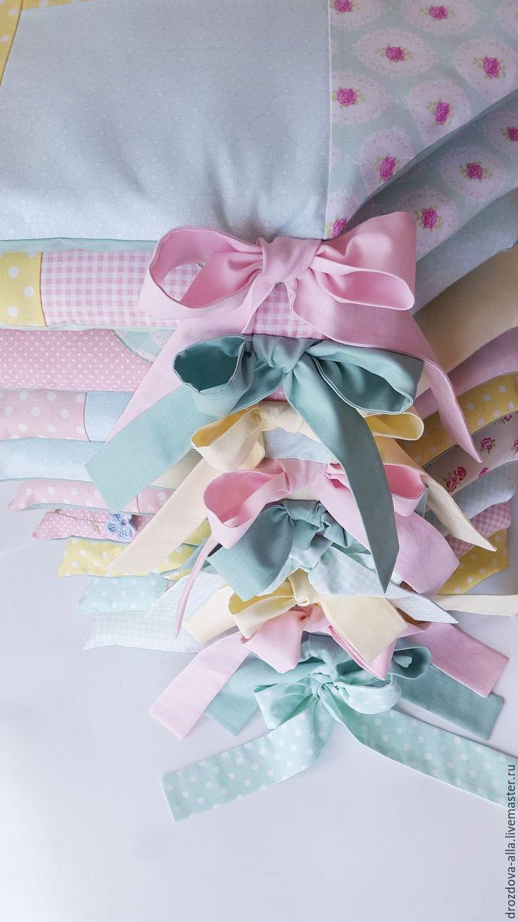 """Купить Бортики в кроватку """"На полянке"""") - бледно-розовый, мятный цвет, лимонный цвет"""