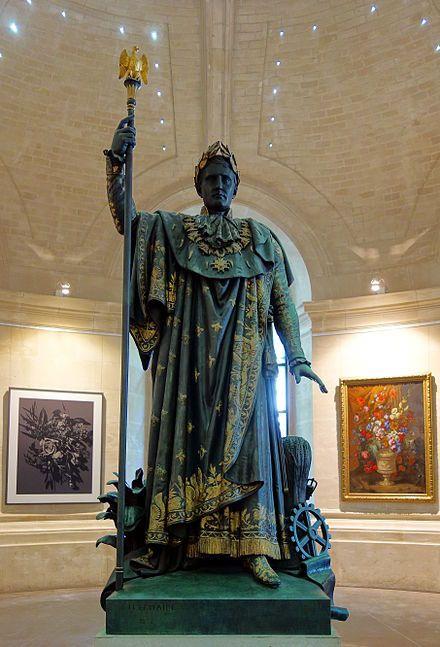 Statue de l'Empereur Napoléon, protecteur de l'industrie - 1853 (sculpteur : Philippe Joseph Henri Lemaire ; architecte : Charles Benvignat) [Vieille Bourse — Wikipédia]
