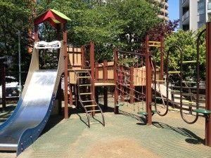 Kogai Park, Nishiazabu http://tokyostroller.com/fun-stuff/outdoor-activities/playground-parks/kogai-park-nishi-azabu/
