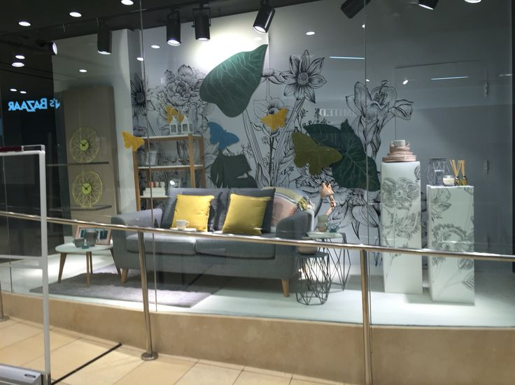 M and s window