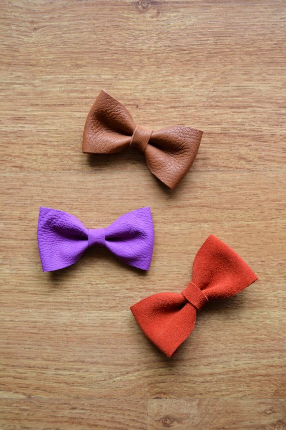 Leather hair clip / Purple bow clip / Bowtie /  by LeatherDetails