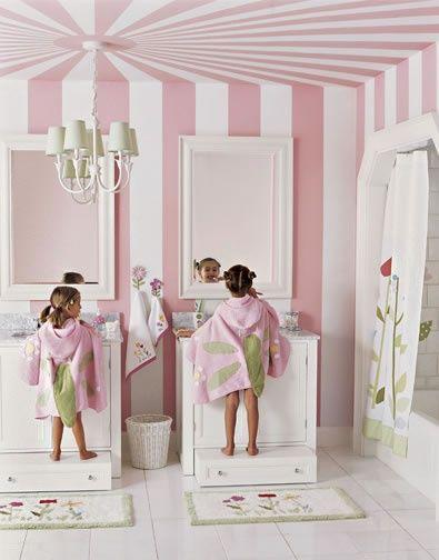 Such a fun kid's bathroom