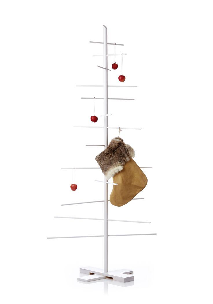 Hvidt Filigrantræ og julesok kan købes på www.findershabitat.dk